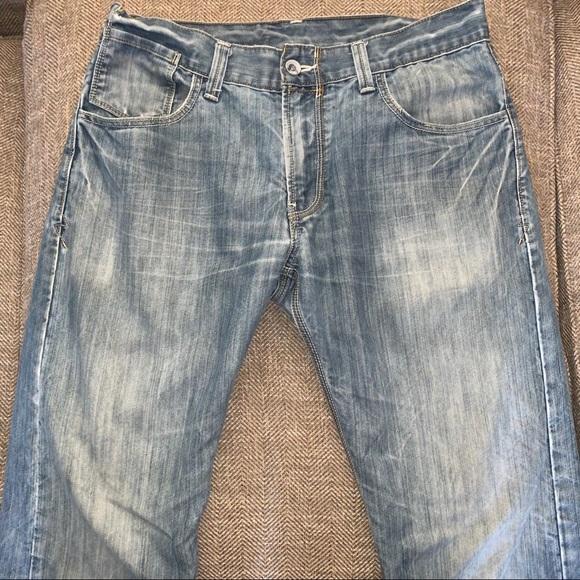 EUC Levi's 514 Slim Straight Leg Jeans Size 34.